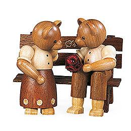 Bärenpaar auf Bank  -  10cm