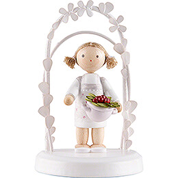 Flax Haired Children  -  Birthday Child with Strawberries  -  7,5cm / 3 inch