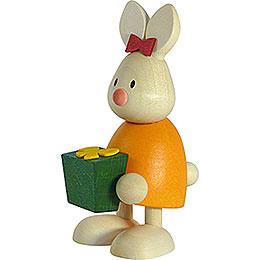 Kaninchen Emma mit Geschenk  -  9cm