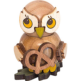 Owl Child with Pretzel  -  4cm / 1.6 inch