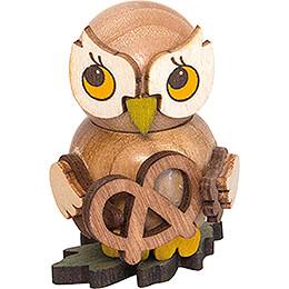 Owl Child with Pretzel  -  4cm / 1.6 inch