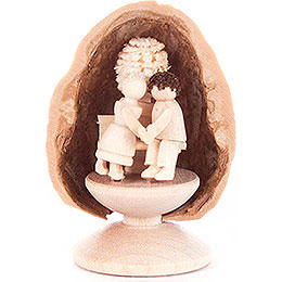 Walnut Shell with Lovers  -  5cm / 2 inch